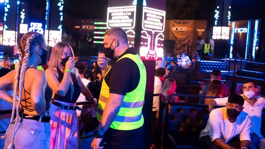Responsable sanitario Italia: cerrar las discotecas para poder abrir las escuelas