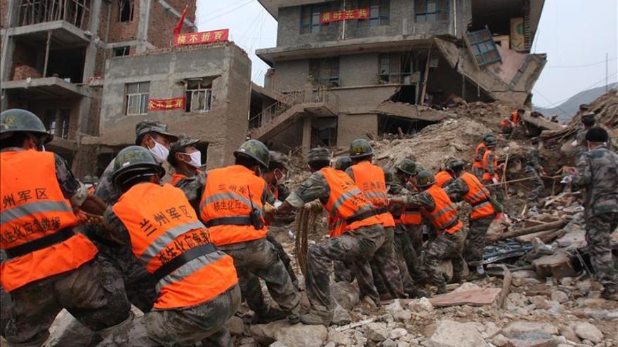 Hallan cinco muertos en un edificio derrumbado en el suroeste de China