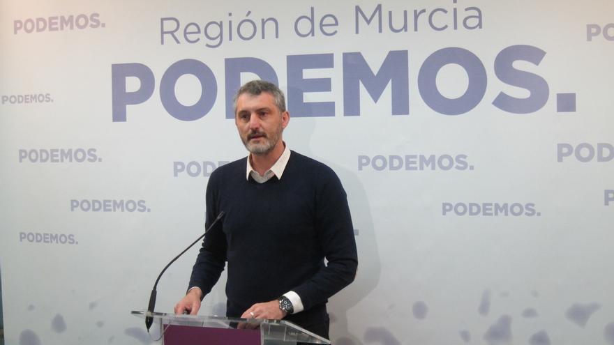"""Podemos afirma que Ciudadanos se """"baja los pantalones"""" ante la """"marioneta"""" de Pedro Antonio Sánchez"""