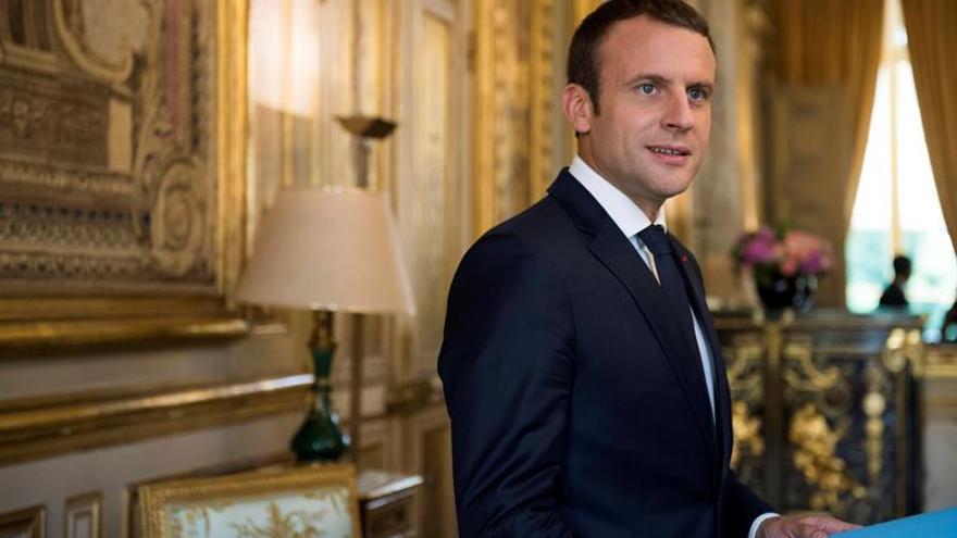 Macron respalda a la oposición siria en sus negociaciones en la ONU