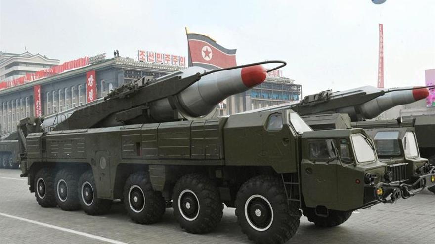 Corea del Norte despliega un misil de medio alcance, según Seúl