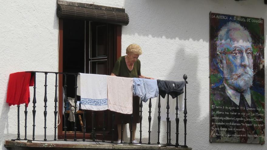 '¿Ayuda a domicilio en el ámbito rural?', de Israel Hergón.