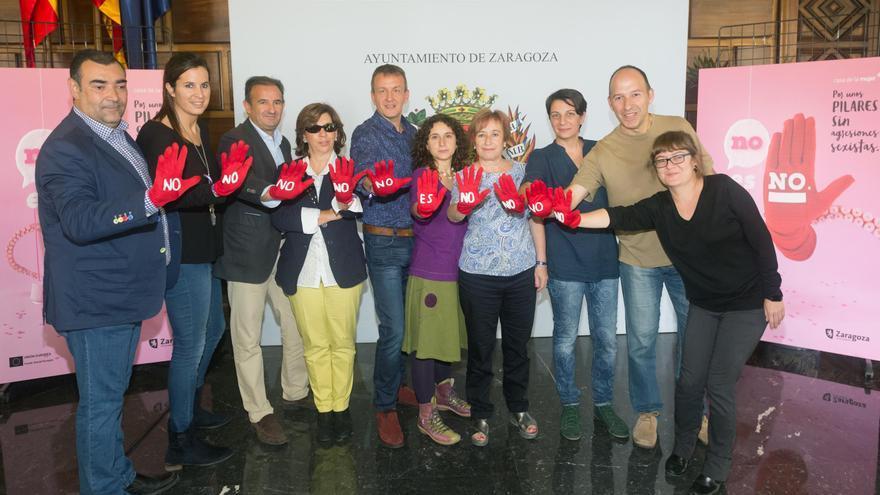 Varios concejales y concejalas en la presentación de la campaña. Foto: Daniel Marcos