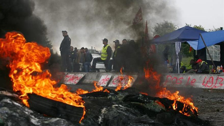 Bloqueos en la octava jornada de protestas por la reforma laboral en Francia