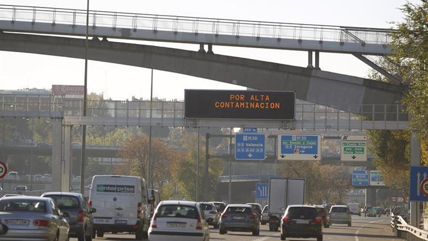 Madrid limitará a las 06:00 horas la velocidad por contaminación en accesos