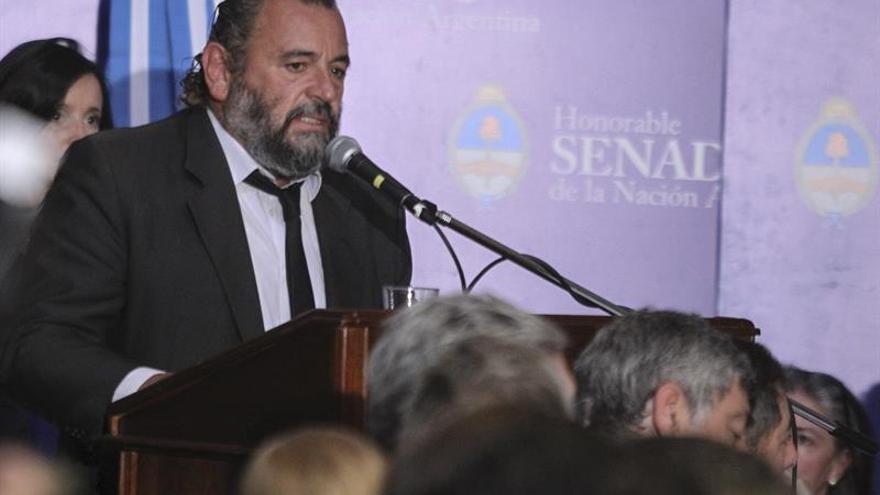 Detienen al jefe de la policía de Buenos Aires por presuntos sobornos