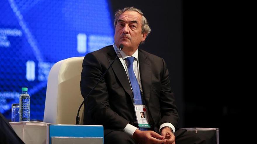 """Argentina promete """"madurez"""" y pide inversión a los empresarios para crear empleo"""