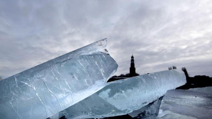 El 60 por ciento de los Grandes Lagos norteamericanos está cubierto de hielo