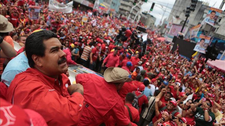 """Maduro promete combatir la corrupción y reconocer """"si la burguesía gana"""""""