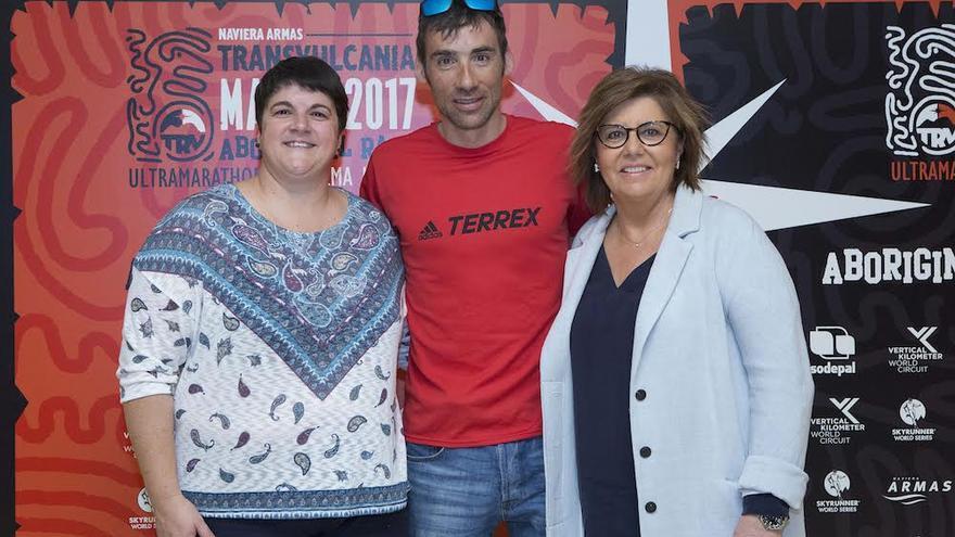 Ascensión Rodríguez (i), Luis Alberto Hernando y María Escario.