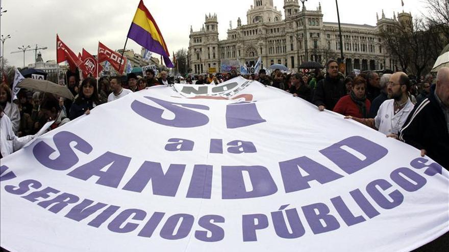 Una de las mareas blancas contra la privatización sanitaria en Madrid