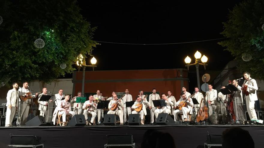 En la imagen, Agrupación El Tendal de San Andrés y Sauces.