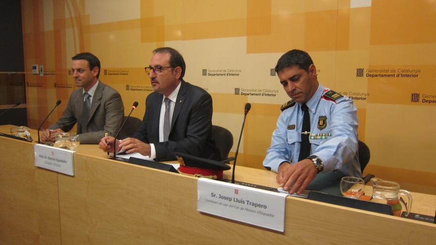 Interior mantiene a los mossos del Raval al no ver confirmado aún que se extralimitaran