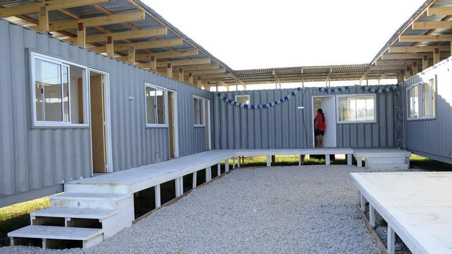Instalan una casa hecha con contenedores para asistir a mujeres en situación de violencia de género