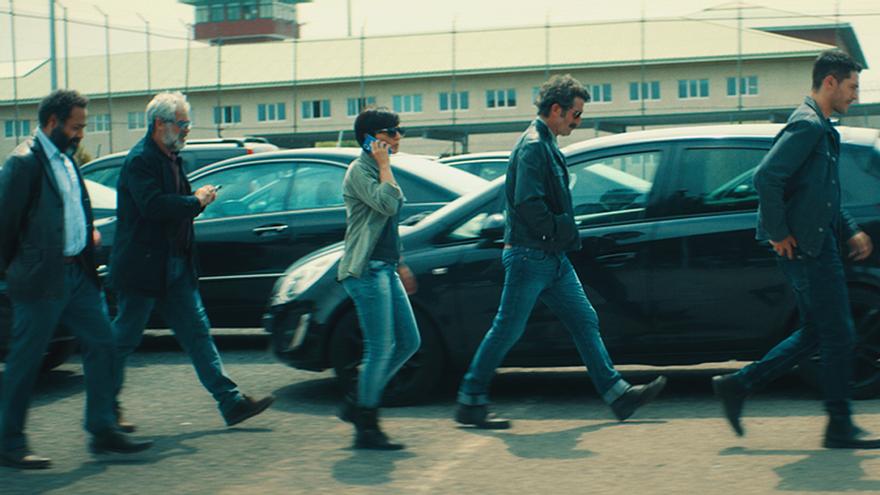 Varios de los protagonistas de 'La Unidad', en una de las escenas de la serie