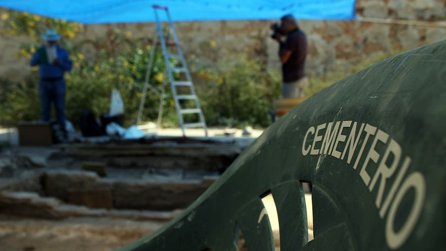 Fosas del franquismo en el cementerio viejo de Cádiz. | JUAN MIGUEL BAQUERO
