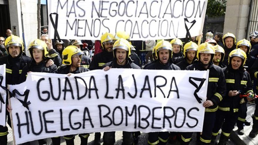 Protesta de los bomberos de Guadalajara. Foto: La Calle de Guadalajara