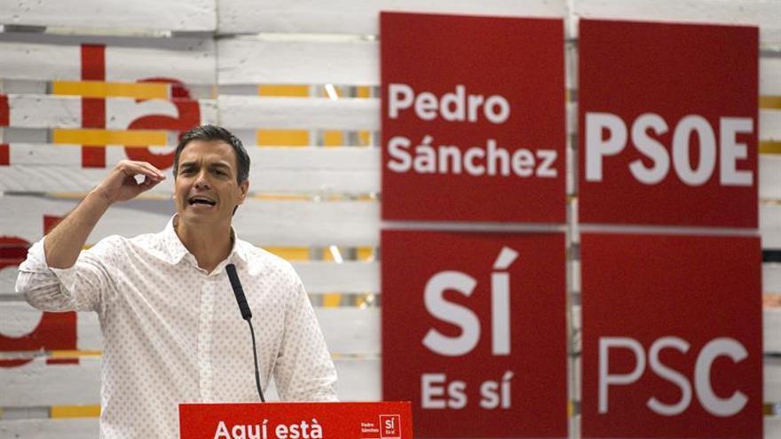 """Sánchez dice si gana PSOE no apoyará moción de Podemos: """"Es montar un número"""""""