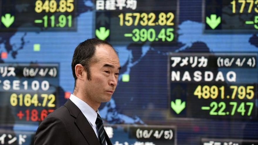 La Bolsa de Tokio abre con un descenso del 0,30 % hasta los 19.338,26 puntos