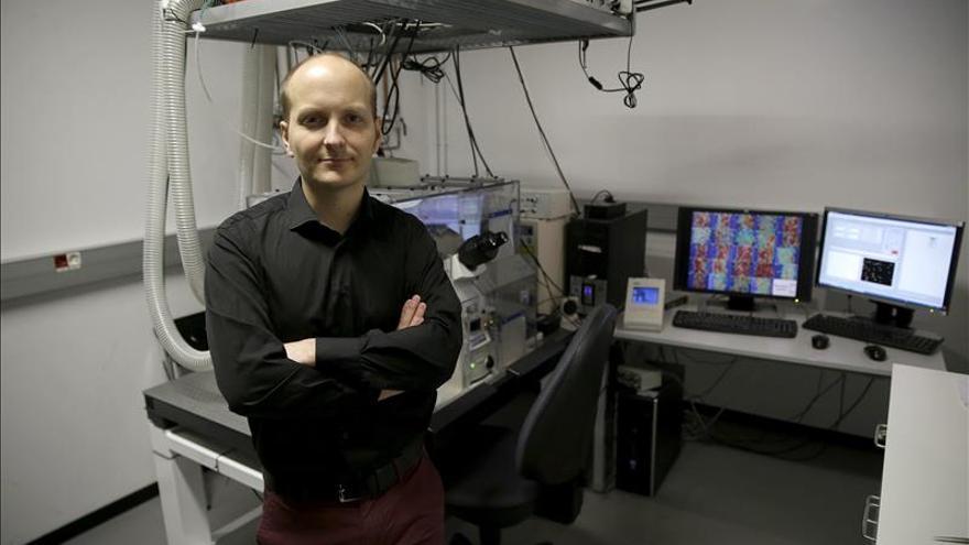 El físico Xavier Trepat gana el Premio Banco Sabadell de Biomedicina
