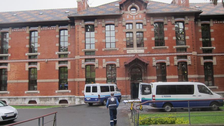Dos heridos por inhalación de humo en un incendio en el Hospital de Basurto de Bilbao