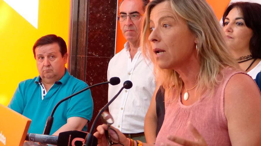 Isabel Albás durante la rueda de prensa en la sede de Cs.