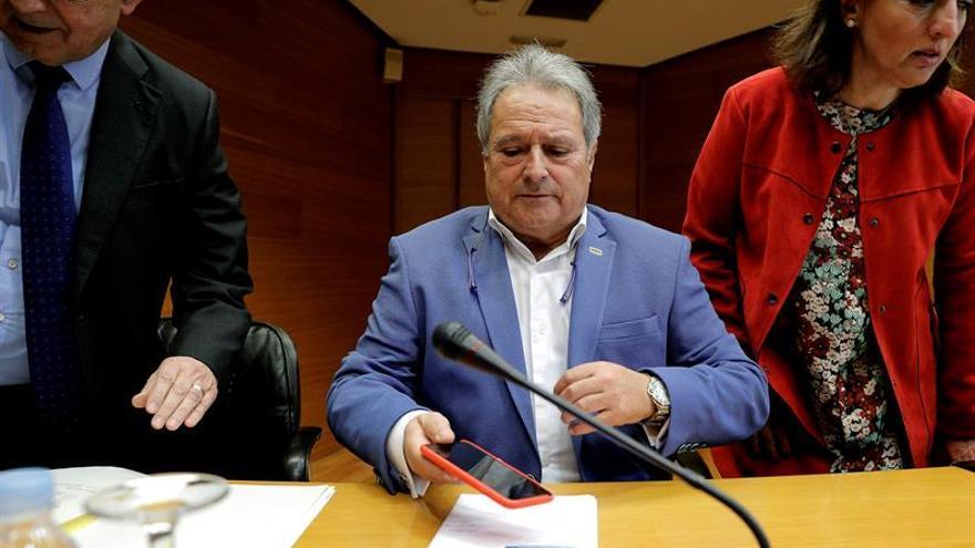 Rus niega una caja B en el PP valenciano y pone la mano en el fuego por Camps