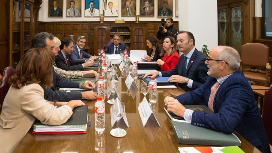 El Gobierno crea una comisión para coordinar medidas frente al coronavirus