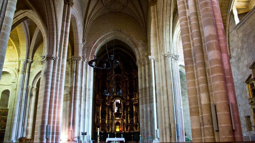 Interior de la Iglesia de San Nicolás, en Estella. VIAJAR AHORA