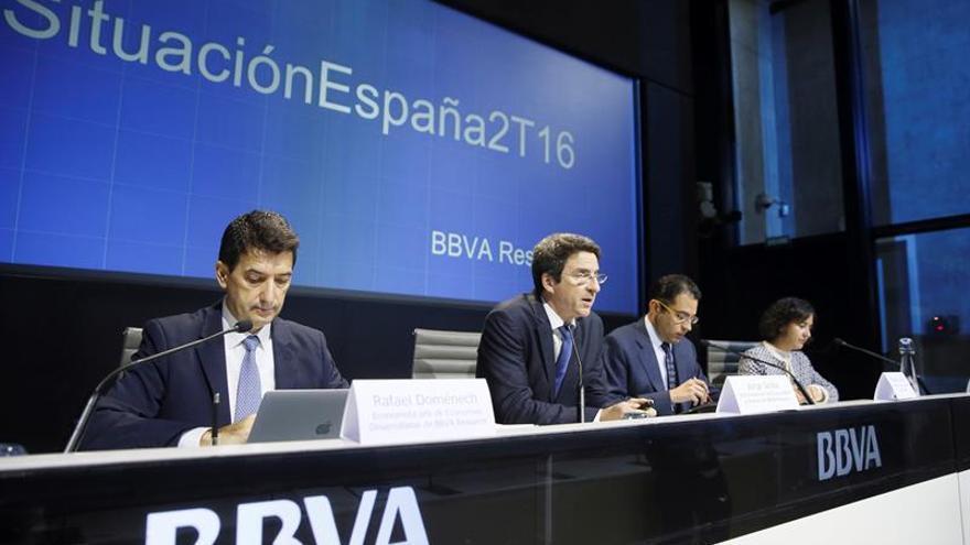 El BBVA cree que la incertidumbre política ha frenado el alza del PIB 8 décimas