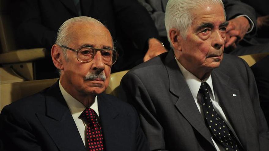 El exdictador Jorge Videla junto al exgeneral Luciano Menéndez
