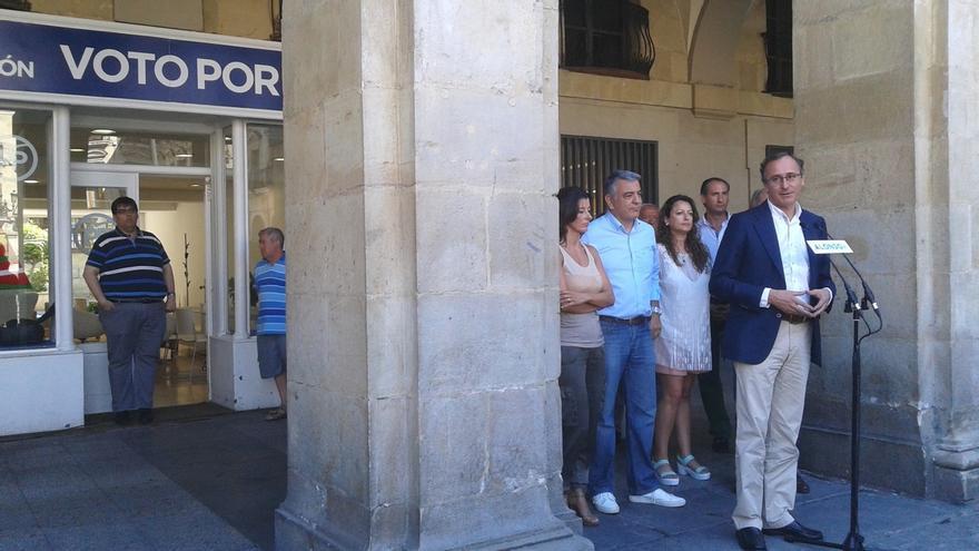 """Alonso dice que el PP vasco también trabaja """"en el deshielo"""" de las relaciones entre el PNV y el Gobierno central"""