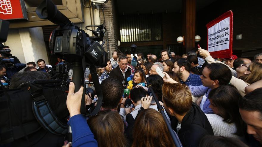 Verónica Pérez abandona la sede del PSOE sin ser recibida por nadie de la Secretaría de Organización