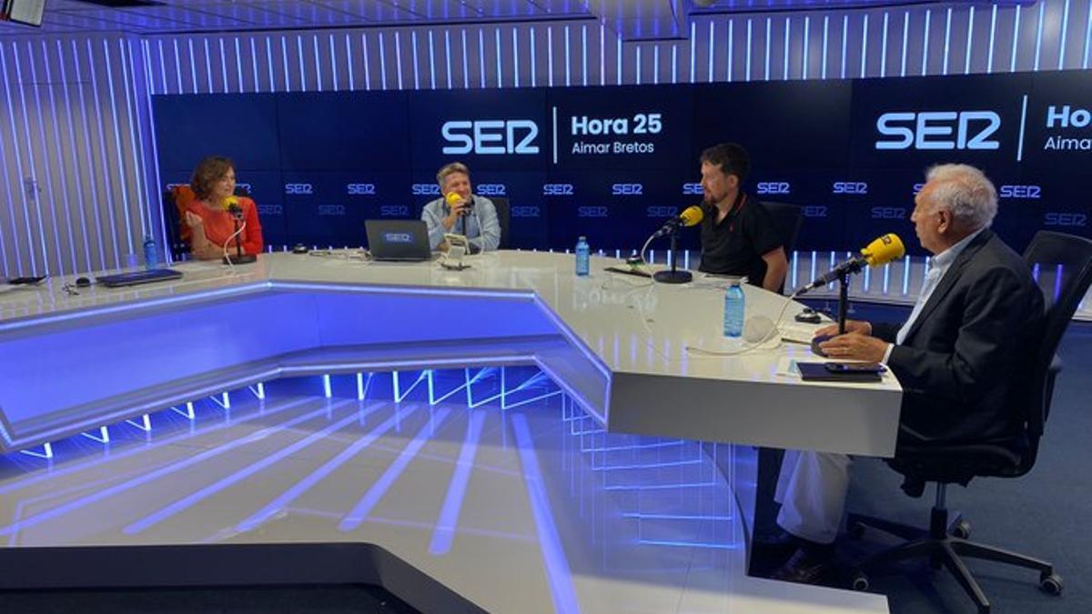 Carmen Calvo, Pablo Iglesias y José Manuel García-Margallo en la Cadena SER.