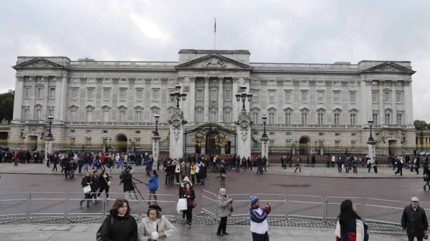 Proponen abrir al publico el palacio de Buckingham cuando no esté la reina