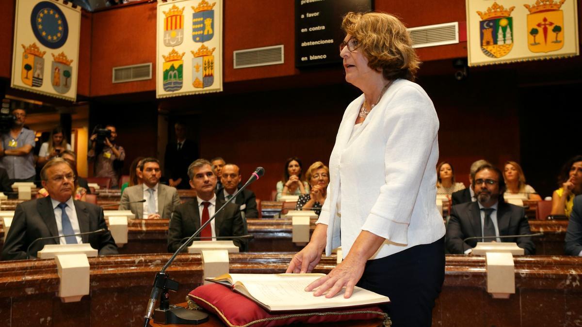 Mabel Campuzano, expulsada de Vox, en la Asamblea regional