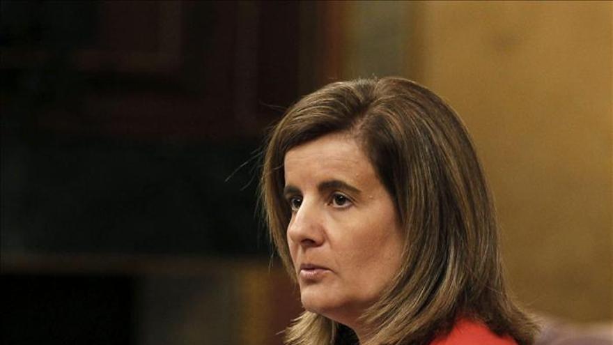El PSOE pide que Báñez explique en el Congreso los cinco millones de parados