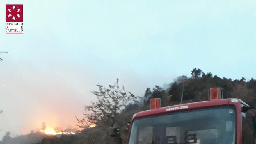 Sigue activo el incendio forestal de Montán (Castellón)