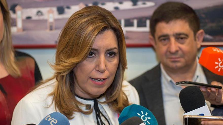 """Susana Díaz: """"Quien esté pensando en pactar es que no confía en ganar"""""""