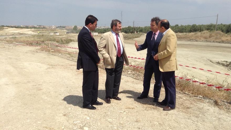 Imagen de una reciente visita del director general de Carreteras a uno de los dos tramos en obras de la A-32.