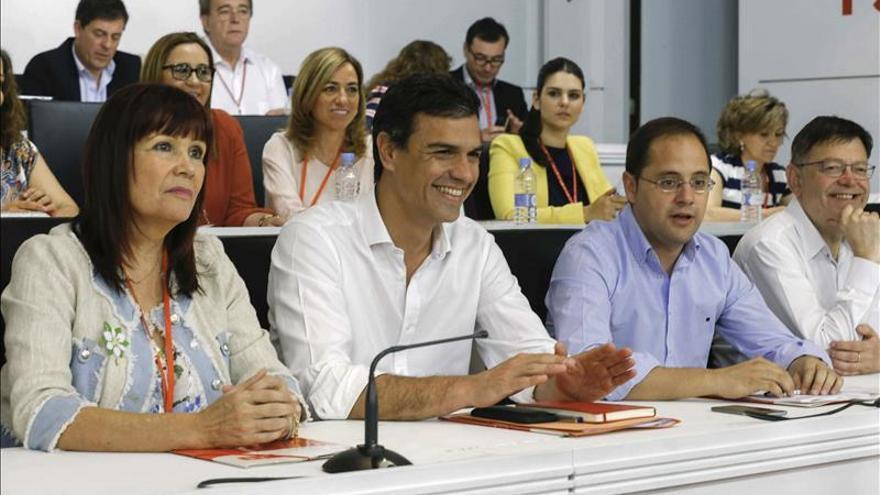 Comienza la carrera de las primarias del PSOE con Sánchez como único corredor