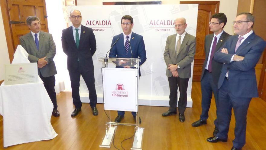 Imatge de la trobada dels rectors junt a Jorge Rodríguez
