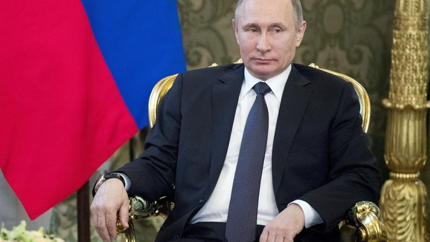 """Putin considera una """"agresión"""" el ataque de EEUU a Siria que amenaza el deshielo con Trump"""