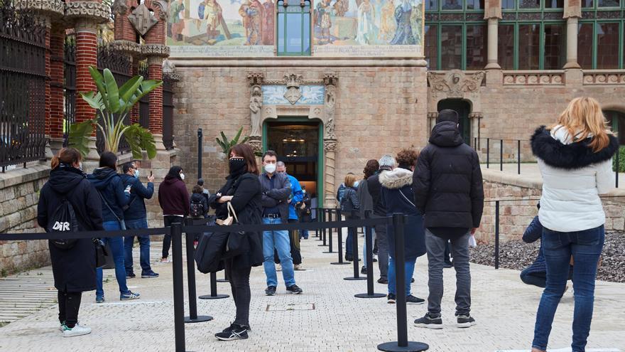 Acelera la velocidad del virus en Cataluña y compromete la desescalada