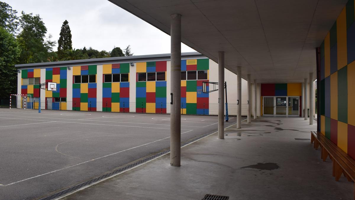 Colegio Bajo Pas de Arce.