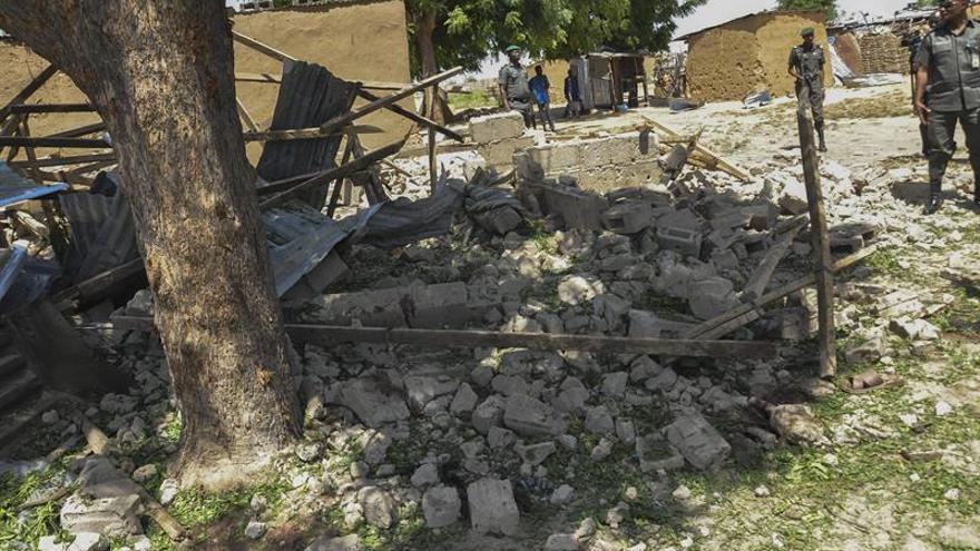 Al menos 4 muertos en un atentado múltiple en un campo de desplazados en Nigeria