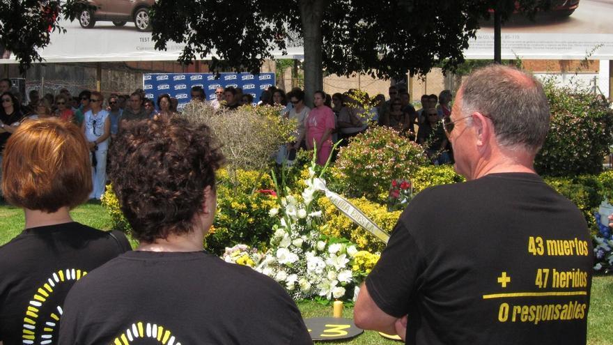 Cuatro familiares de víctimas del accidente del Metro comparecen este lunes en la comisión de investigación de las Corts