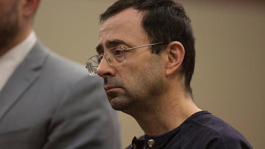 De 40 a 125 años de cárcel en una nueva condena al médico que abusó de gimnastas