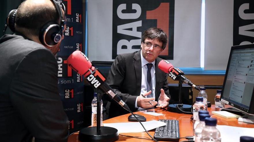 """Puigdemont pide """"dejar tranquilos"""" a Mossos porque su prioridad es seguridad"""