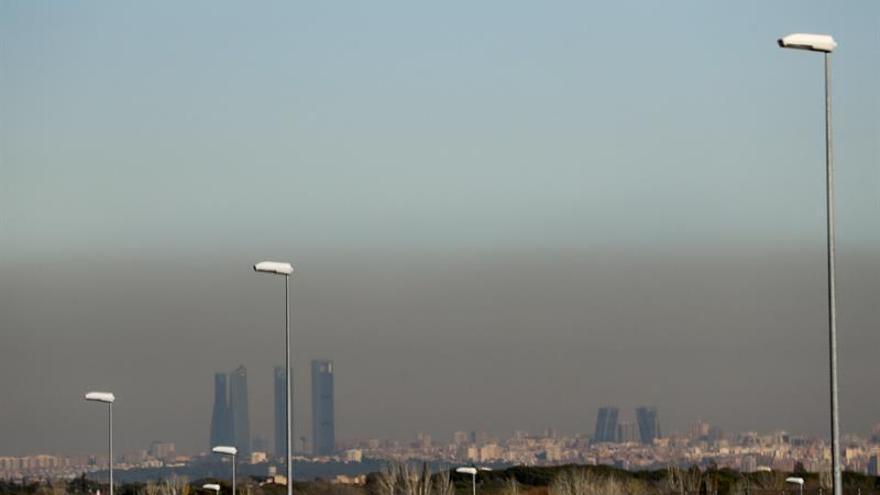Hoy no se podrá aparcar en centro de Madrid ni circular a más de 70 km/h